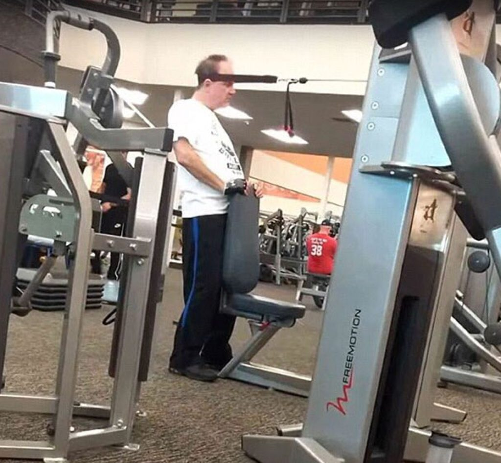 Guy working out his head